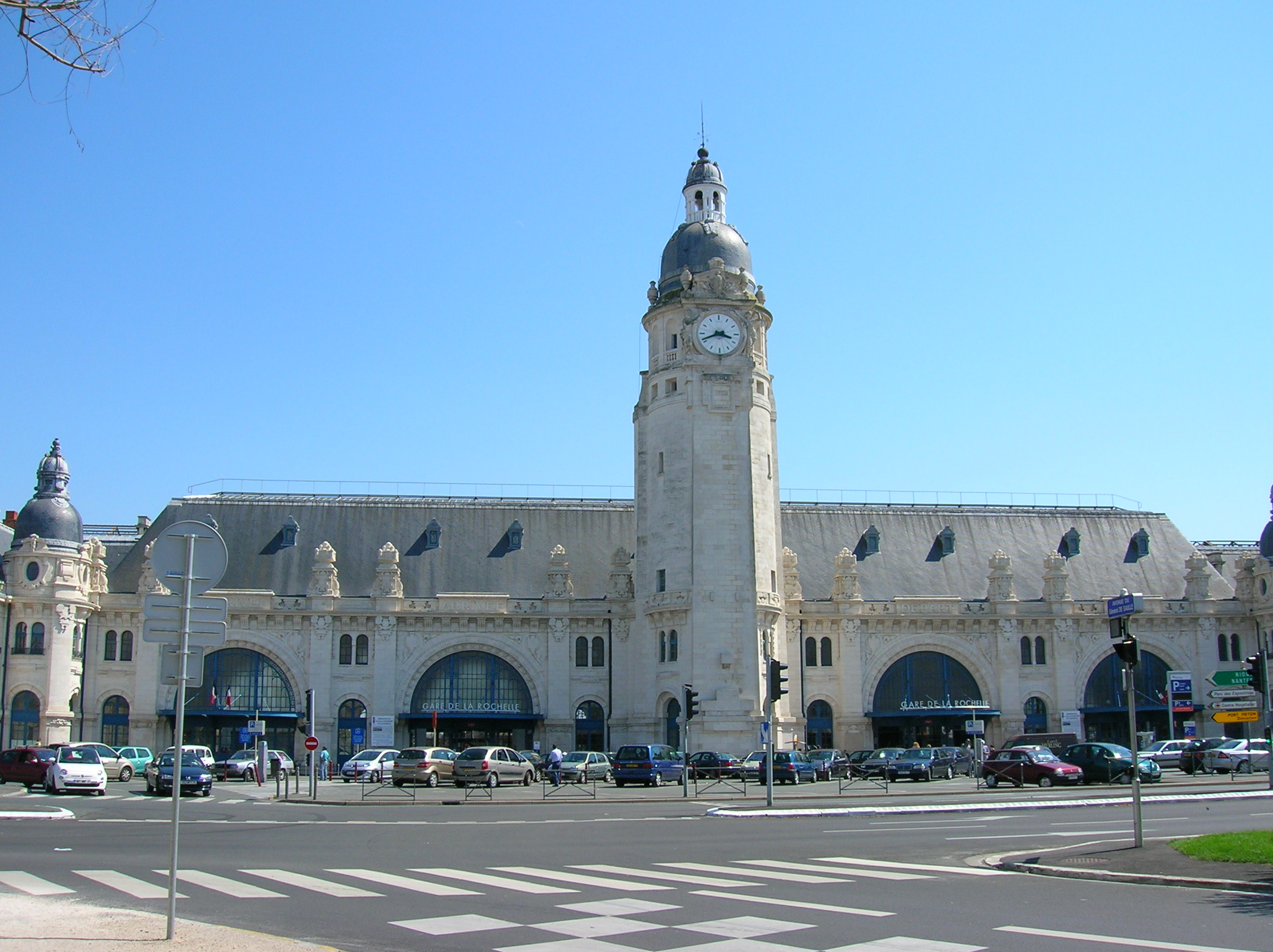 gare de la rochelle. Black Bedroom Furniture Sets. Home Design Ideas